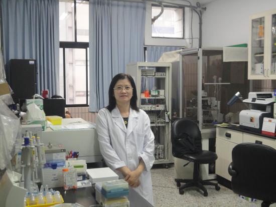 基礎醫學研究所所長  王素珍教授